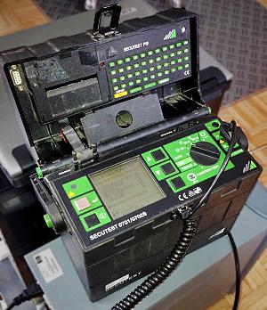 Secutest-Messgerät für Geräteprüfungen nach DIN VDE