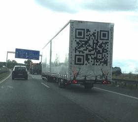 Der QR-Code als fahrende Werbetafel im Straßenverkehr