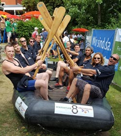 Labelident bei Rotarian River Raft Race